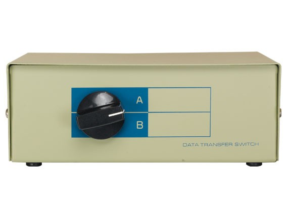2-way DB9 Manual Data Switch Box, AB Male